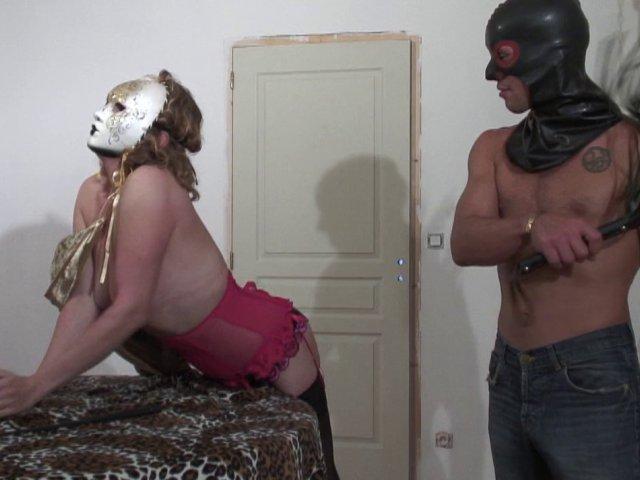Sexe dans un club libertin avec une salope française
