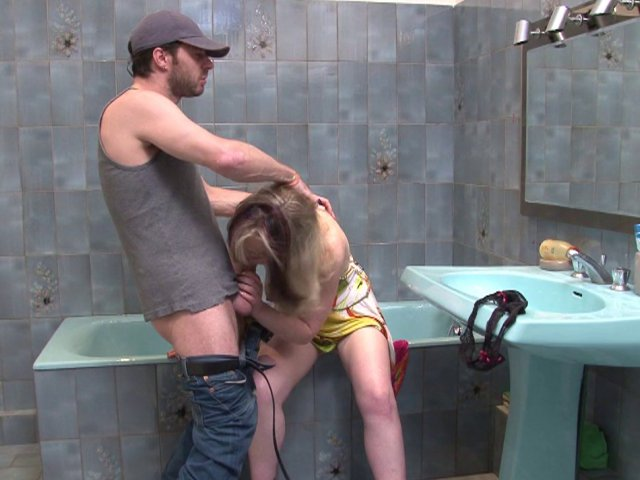 Infirmière sexy et coquine prend soins de son patient